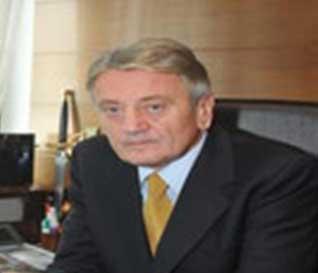 Dr. Dušan Stupar